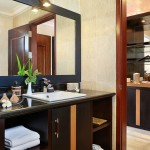 deluxe-terrace_bathroom